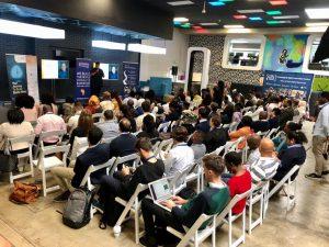 Start-up pitch presentation participants
